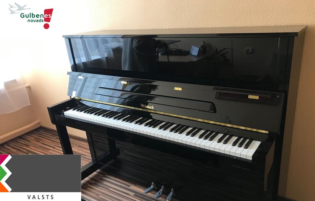 Mūzikas skolai jauns pianīns!